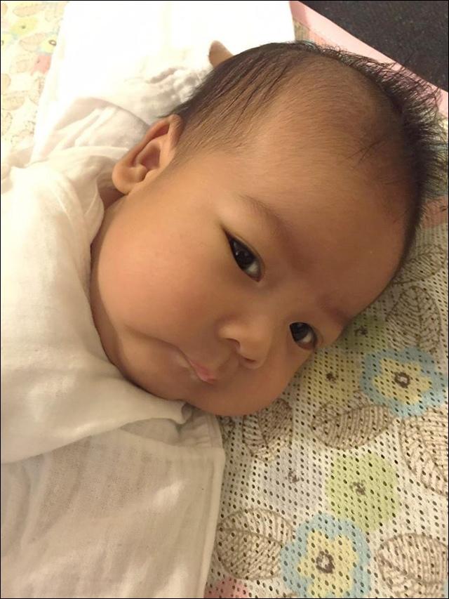 我的兒子也有點像小伊耳謎。XD